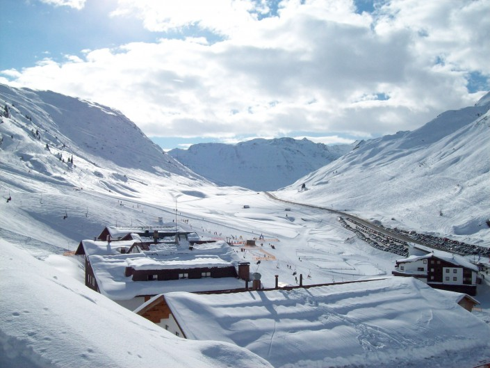 The roofs of HOTEL ENZIAN in Zürs am Arlberg - Image